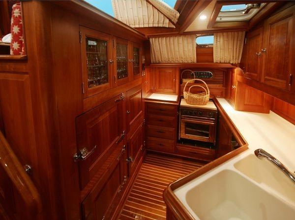 Lyman Morse Boatbuilding Patriot Pilothouse Hinckley 70