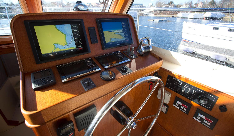 Lyman-Morse 42 Commuter Yacht