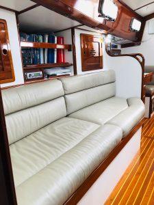 Morris 46 Seaforth salon settee