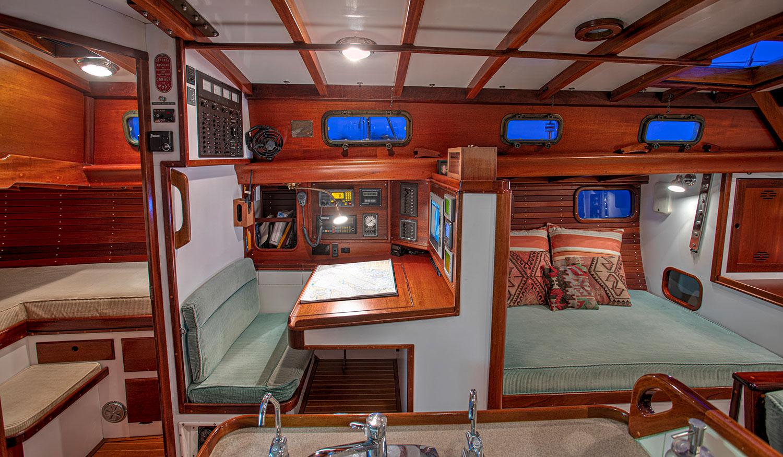 Seguin 49 Quartet navigation station