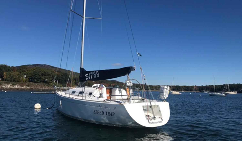 Beneteau America 36.7 stern