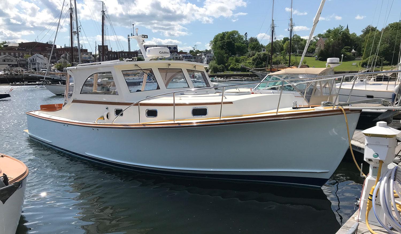 Ellis 36 Intandem 5 - Starboard Bow Profile