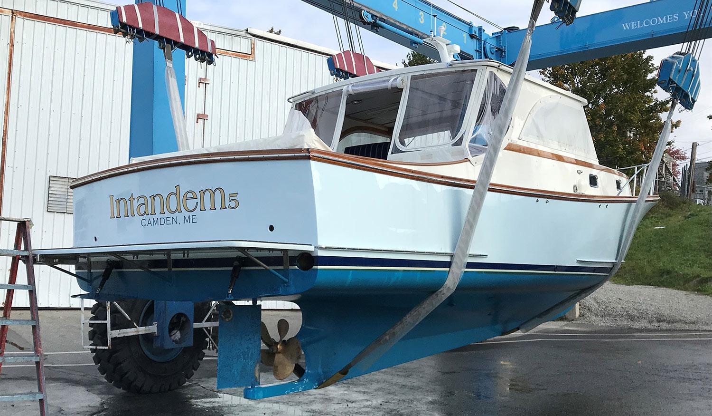 Ellis 36 Intandem 5 - Starboard quarter view