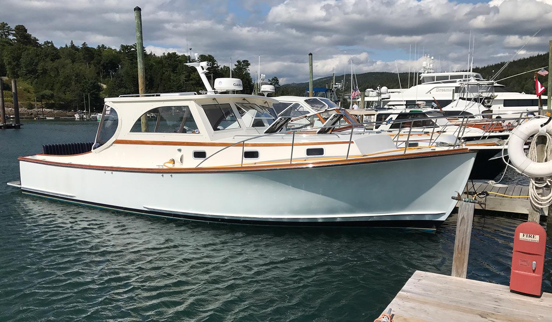 Ellis 36 Intandem 5 - Starboard profile