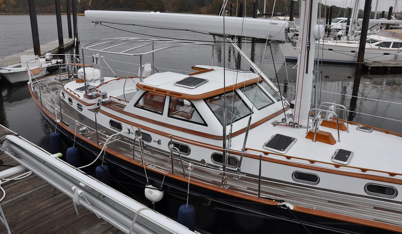 Morris 57 Circe deck and cabinhouse