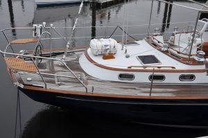 Morris 57 Circe aft deck