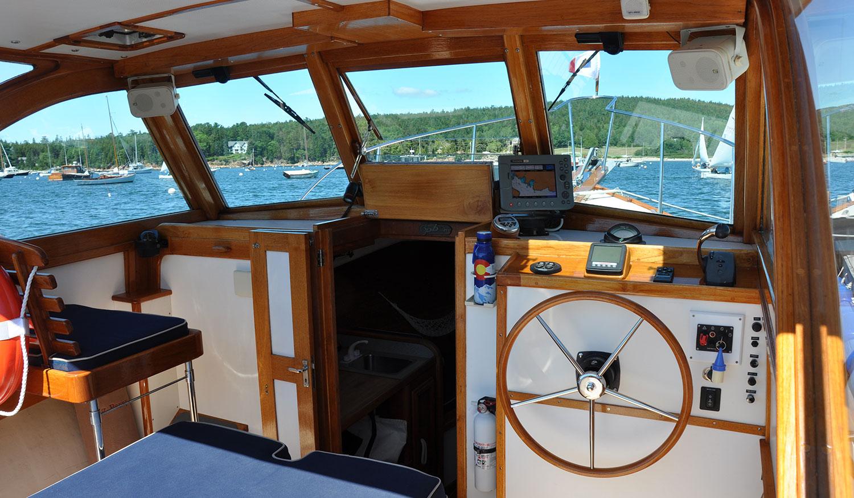 Pemaquid Beach 26 Hog Penny steering station