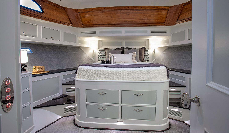 Hood 57 LM Owner's Cabin