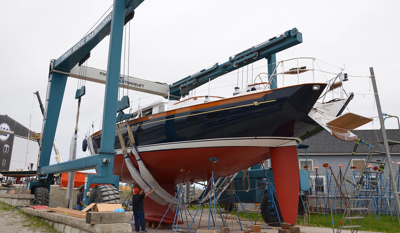 Sensation 73 yacht Valor in slings