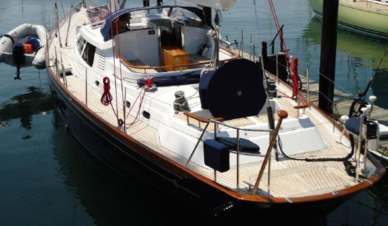 Sensation 73 yacht Valor cockpit