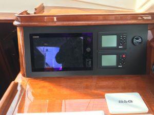 Sensation 73 yacht Valor navigation instruments