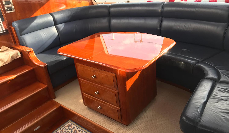 Sensation 73 yacht Valor salon table and seating