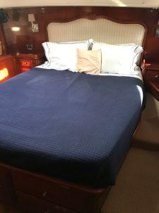 Sensation 73 yacht Valor owner's stateroom