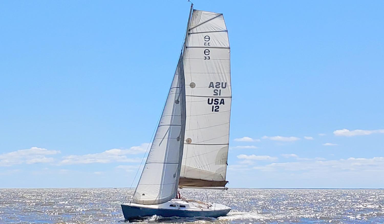 e33 skedaddle under sail