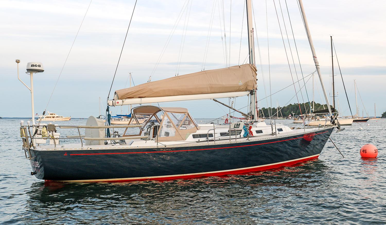 J42 Finesse starboard quarter