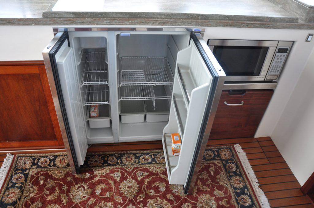 38' Northern Bay Downeast Hard Times refrigerator