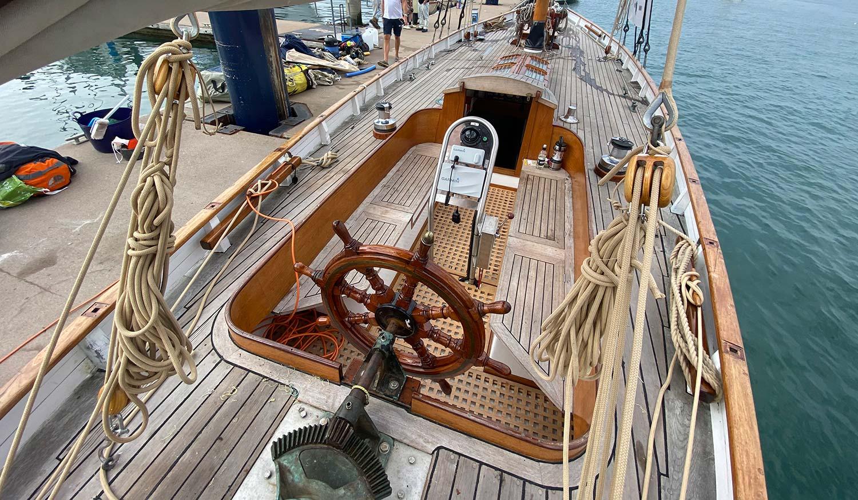 47' Classic Cutter Boojum cockpit and deck